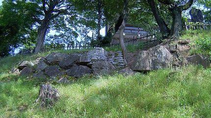 小牧山 石垣